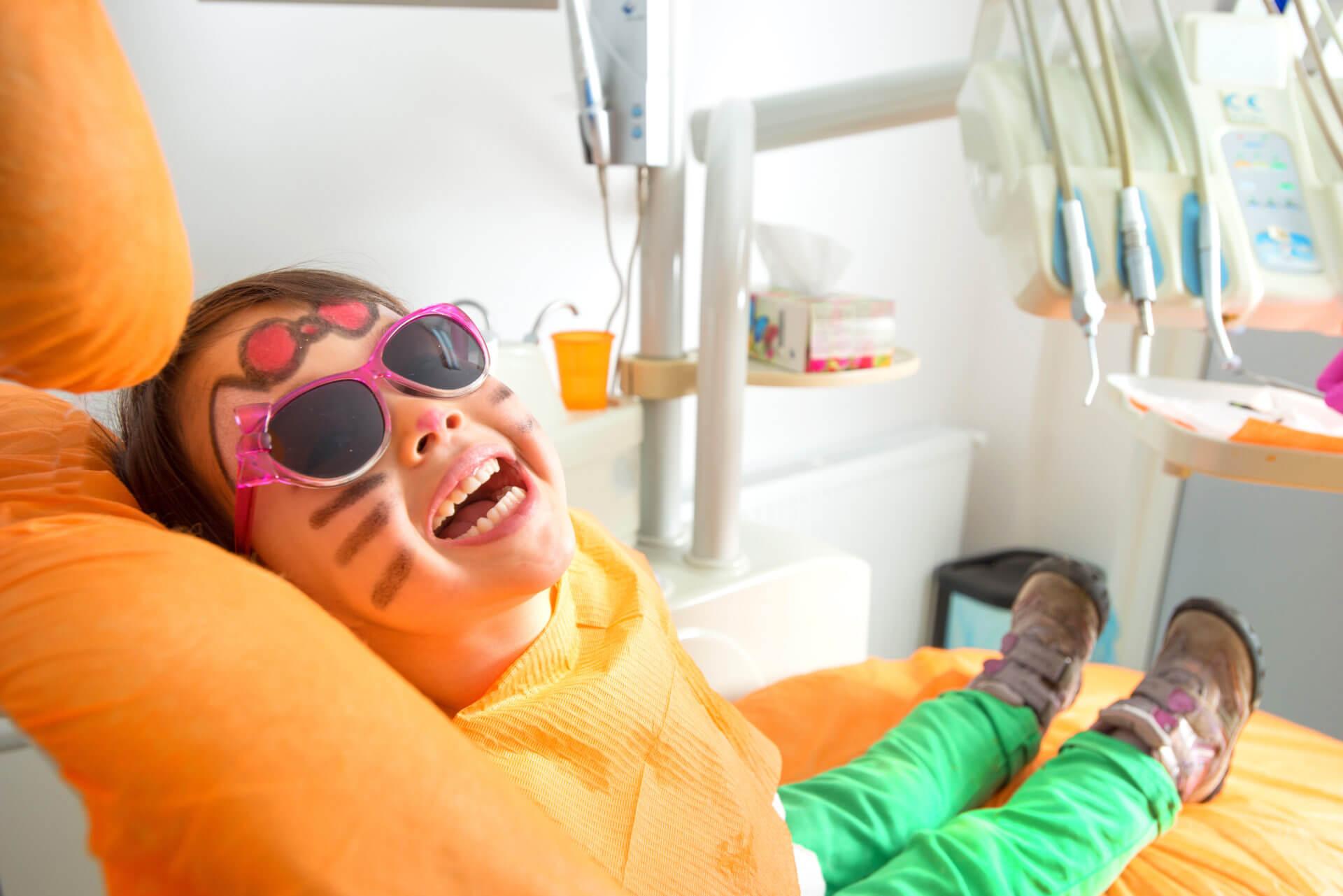 Der erste Zahnarztbesuch, wann und wie sollte dieser stattfinden