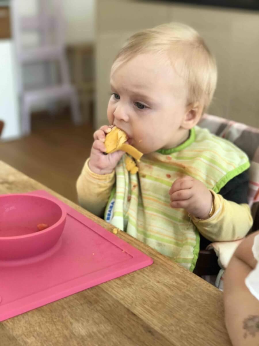 Baby led weaning – Wie mein Kind begann feste Kost zu sich zu nehmen