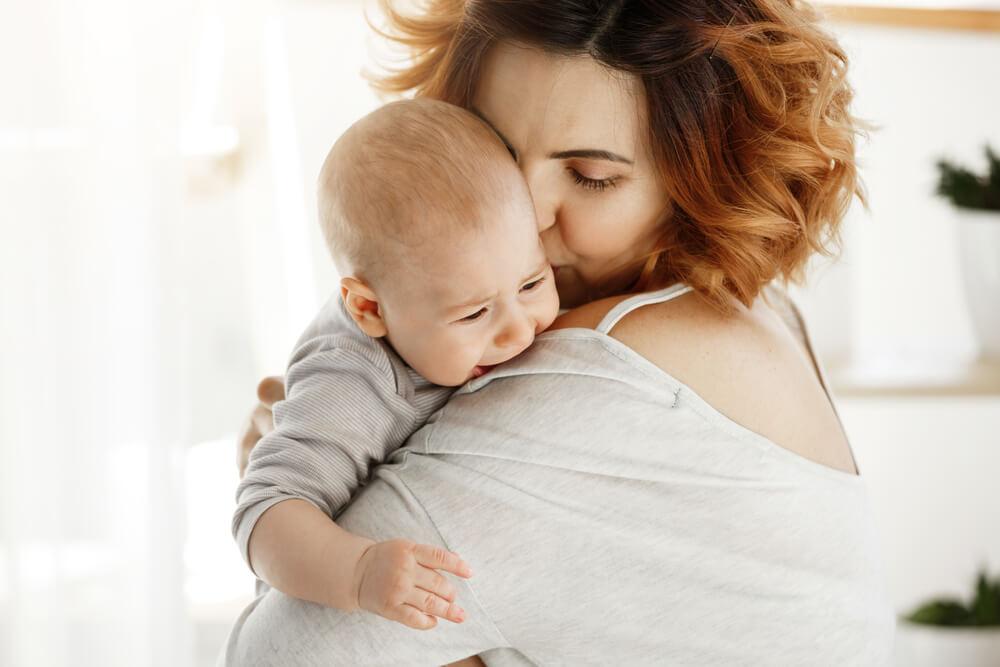 Blähungen beim Baby – wenn der Bauch schmerzt