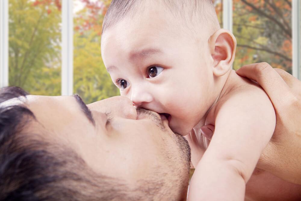Gibt es Grenzen beim Kuscheln mit Kindern?
