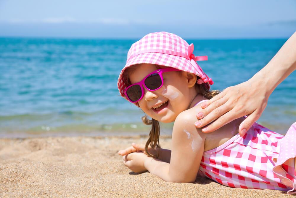 Sonnencreme: Alle feiern nur einer nicht – unsere Haut! *Werbung*