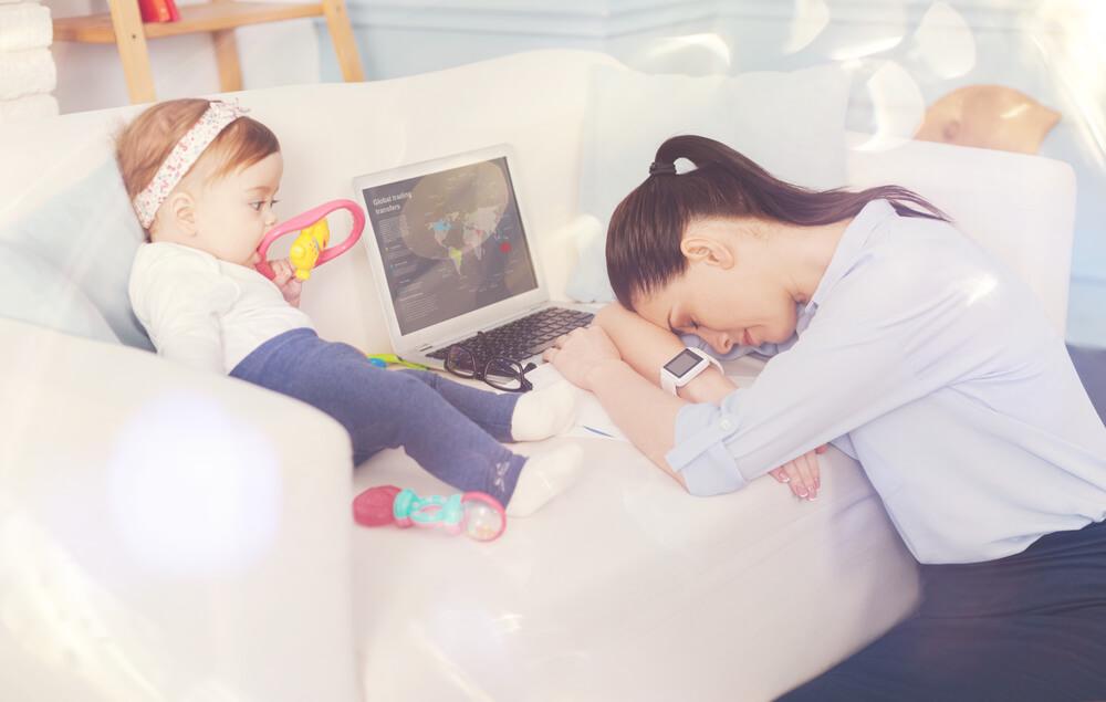 Müde Eltern &Werbung