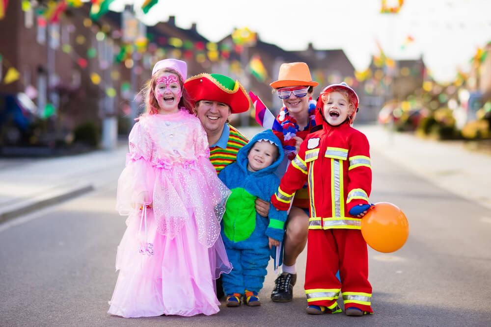 Jahreskreis - Karneval Kinder verkleidet